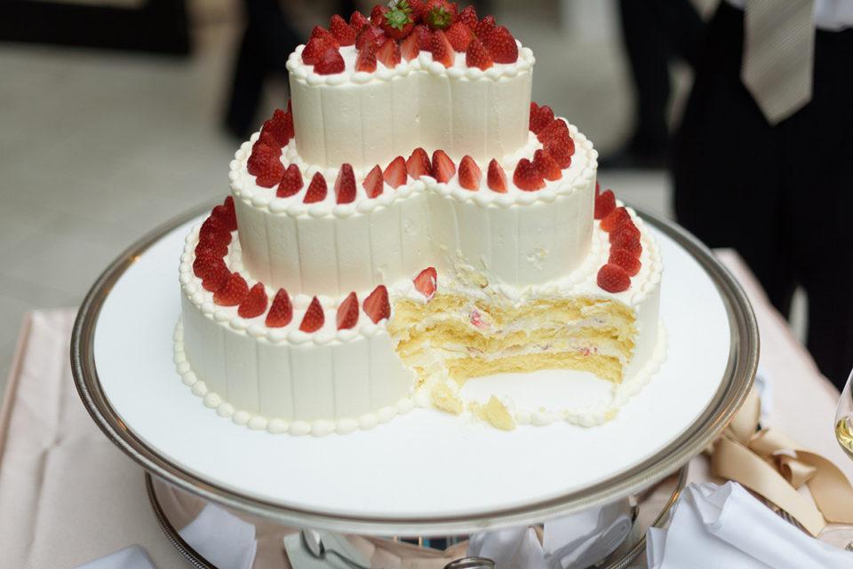 ファーストバイト後のケーキ