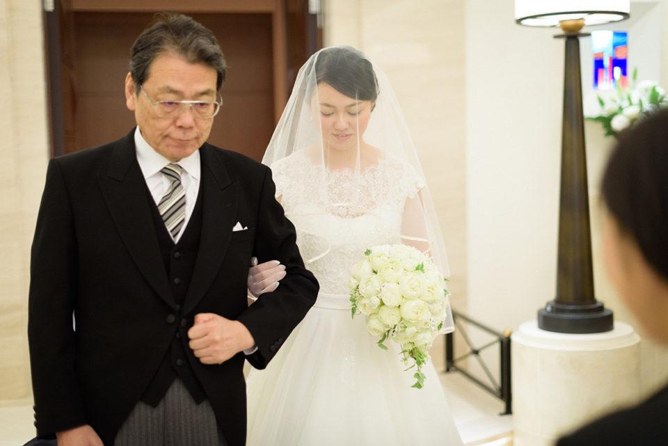ホテルニューオータニで挙式リハーサルを行う新婦とお父さん