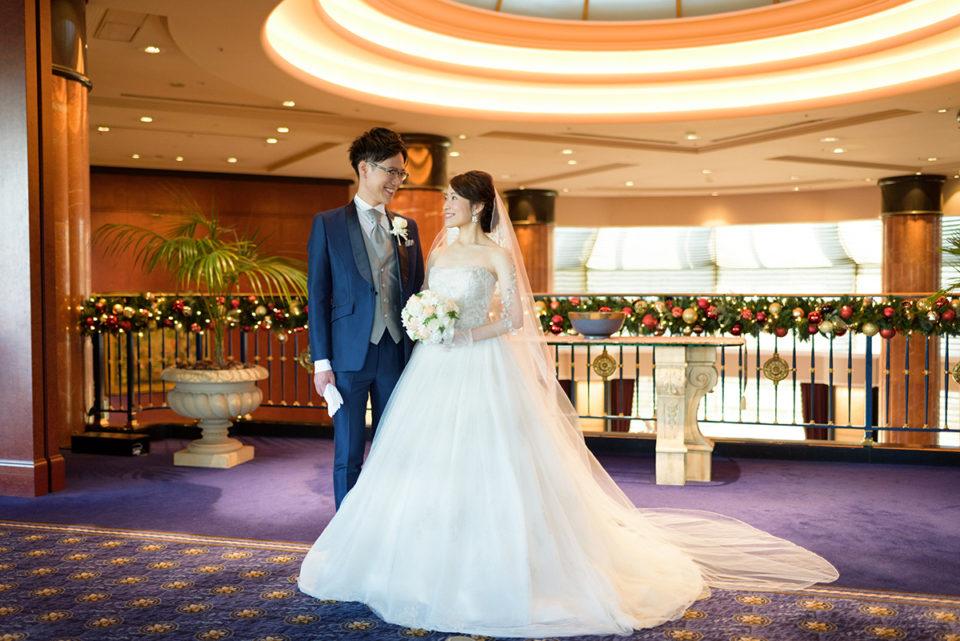 ウェスティンホテル東京でロケーション撮影をする新郎新婦