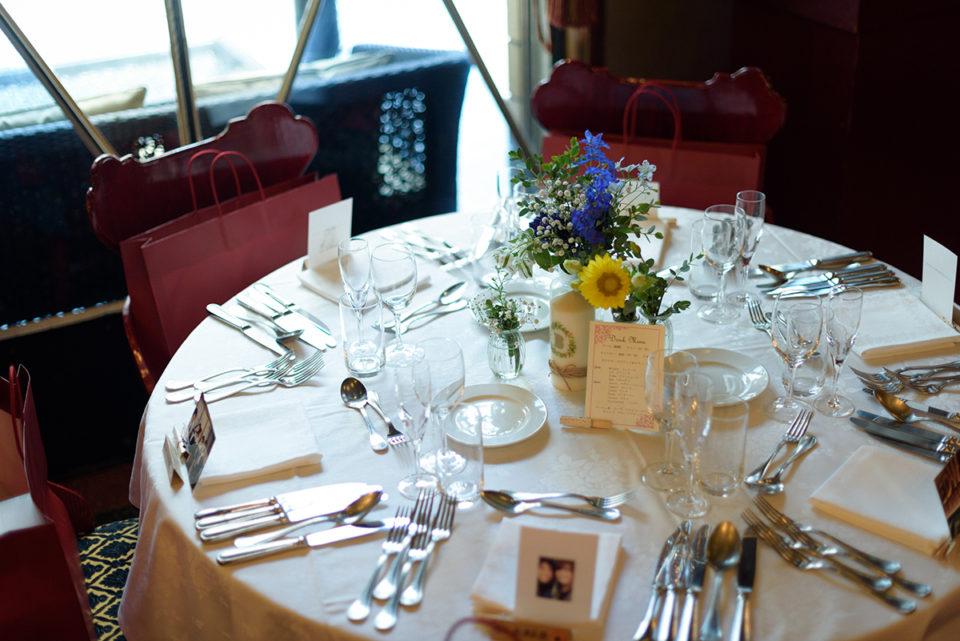 開宴前のゲストテーブル