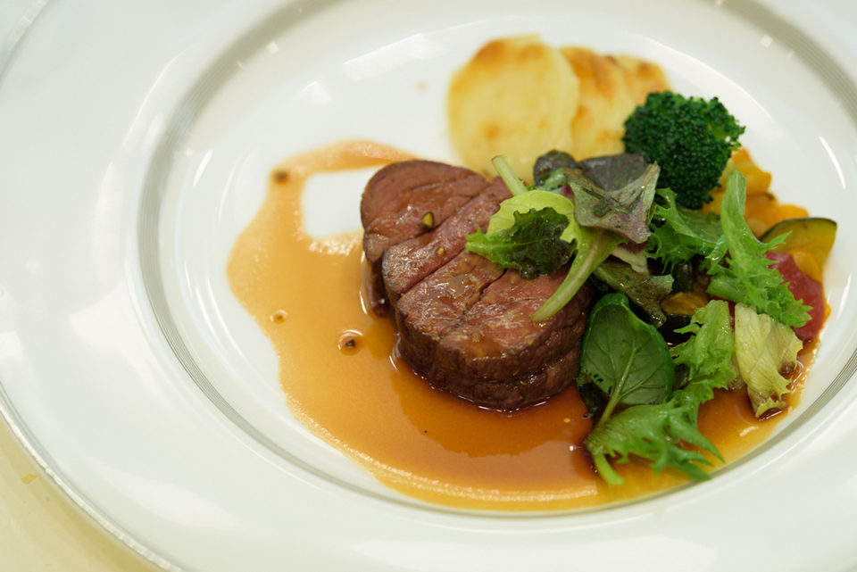 東京大神宮の肉料理