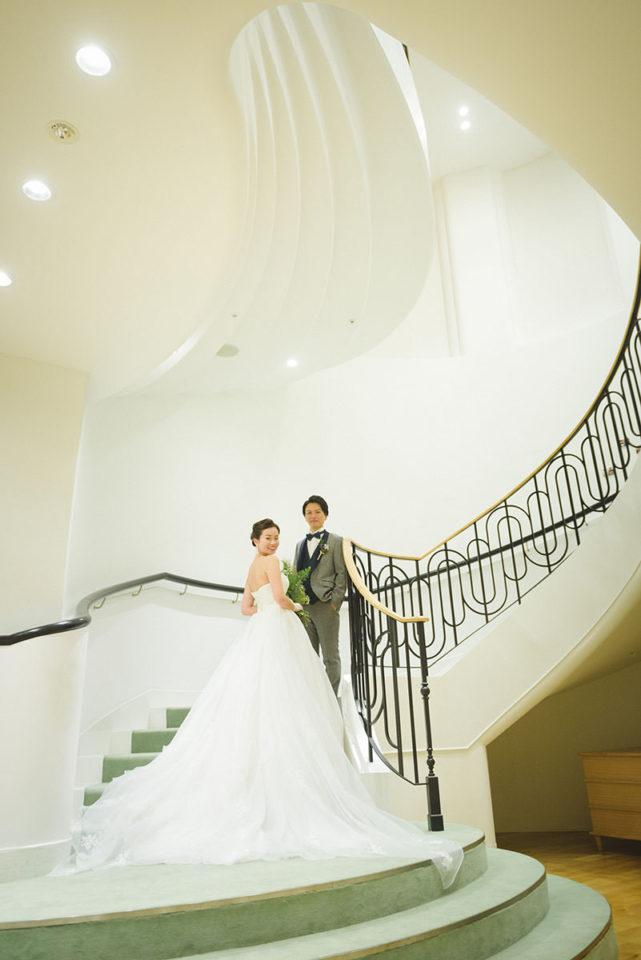 螺旋階段でのポーズ写真